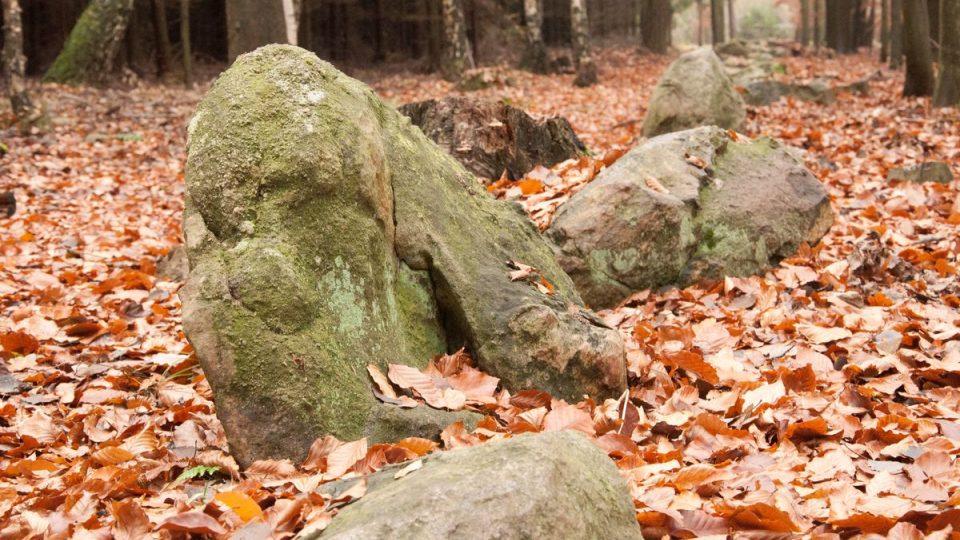 Tvary kamenů jsou různé