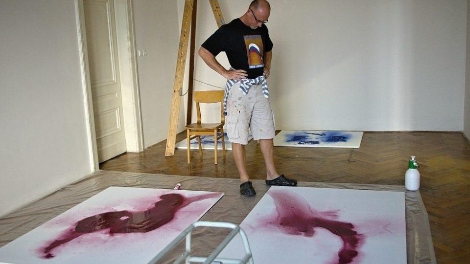4 - Jan Pištěk ve svém ateliéru