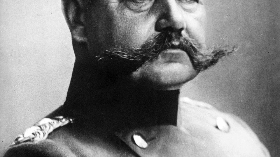 Paul Ludwig Hans Anton von Beneckendorff und von Hindenburg - voják tělem i duší a politik proti své vůli