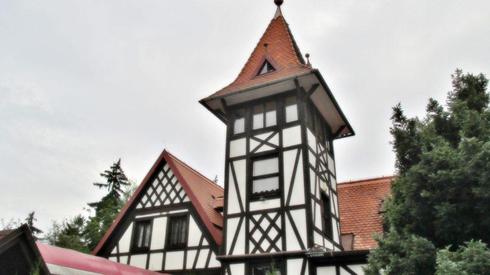 Hrázděná restaurace z roku 1898