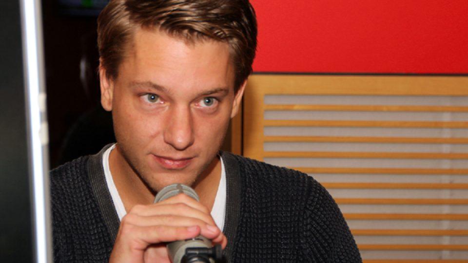 Kuchař Jan Davídek u mikrofonu Radiožurnálu