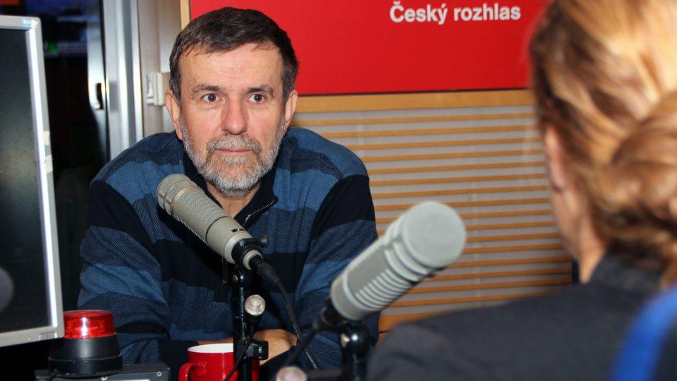 Při psaní často fandí vítězům, protože ti tvoří historii, uznal Vlastimil Vondruška