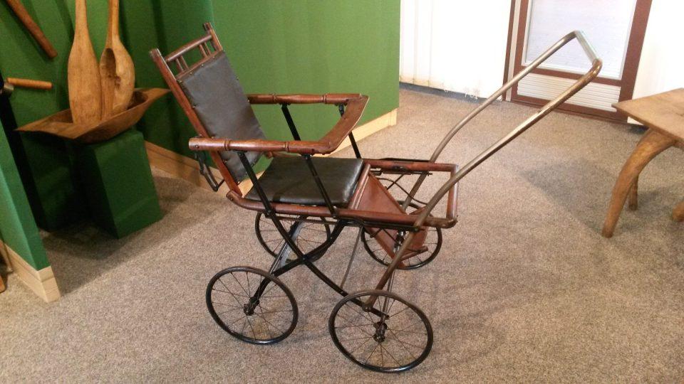 Výstava v Orlové připomíná dřevěný svět našich předků
