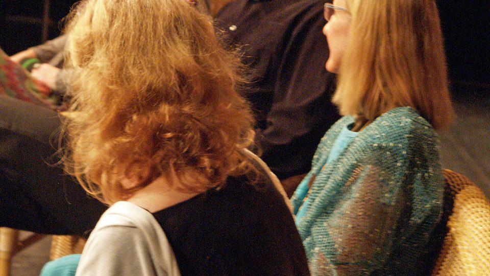 Zpěvačka, textařka, hudební skladatelka Linda Finková, Petr Fejk, bývalý ředitel pražské zoo, spisovatelka Ivona Březinová a herečka Gabriela Vránová. Tři blondýnky na jednoho muže. Přesilovka