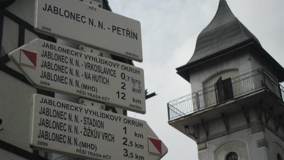 Rozcestník na Petříně