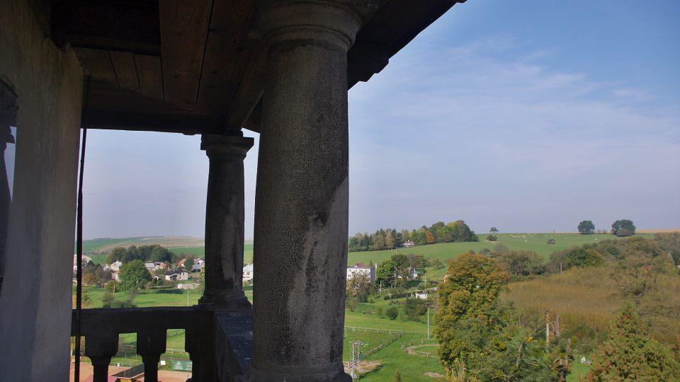 Na věži zámku