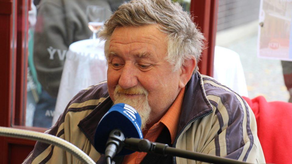 Vysíláme z Chotěboře, posluchač Jarda si přeje písničku