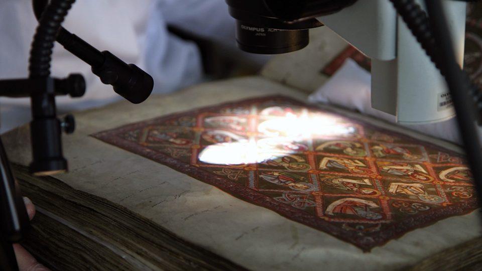 Vyšehradský kodex v laboratoři, folio s rodokmenem Krista