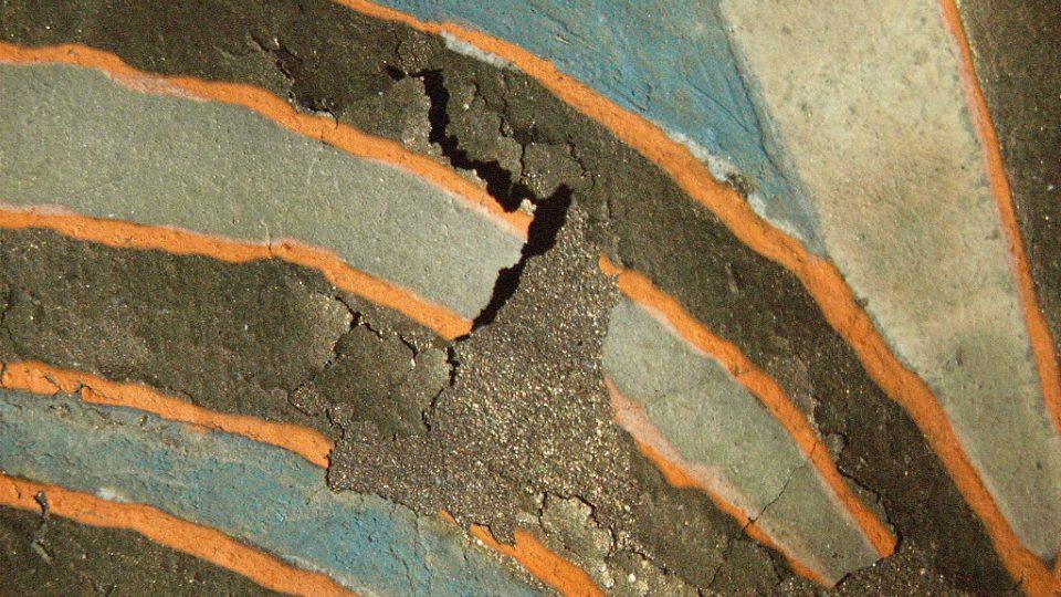 Z průběhu fixace pigmentu ve Vyšehradském kodexu ve čtyřech krocích. Takto pigment vypadal před začátkem restaurování.