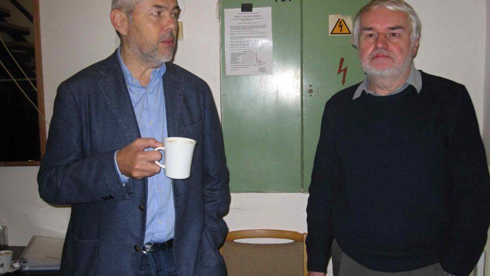 Redaktor a autor mnoha rozhlasových scénářů Pavel Kácha a taky Marek Eben. Klídek a kafíčko