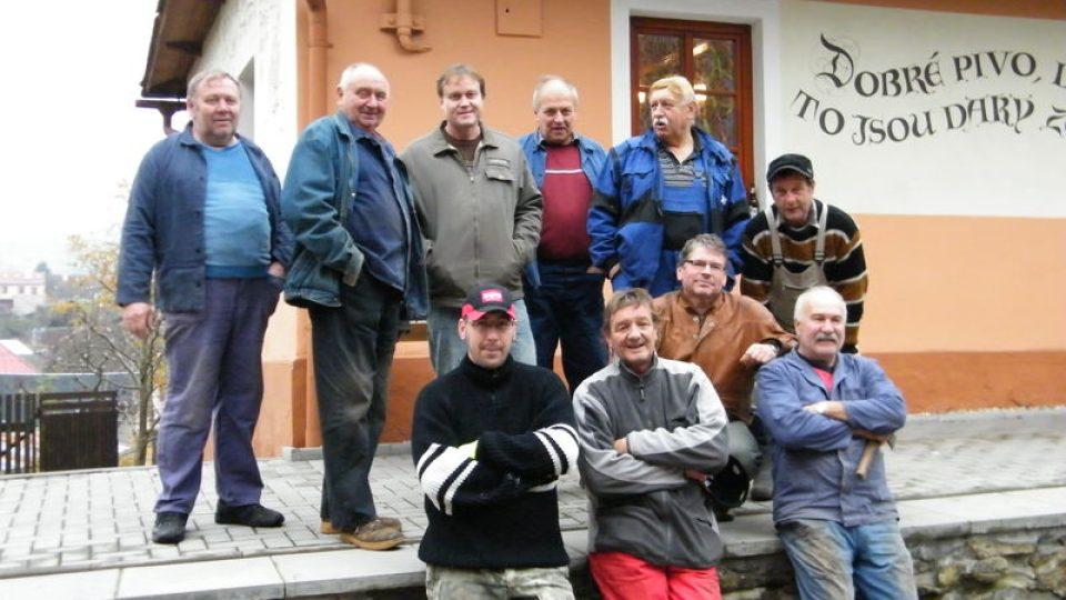 Jabkancová pouť - místní muži