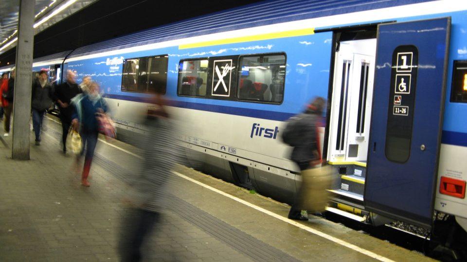 Railjet ve Vídni