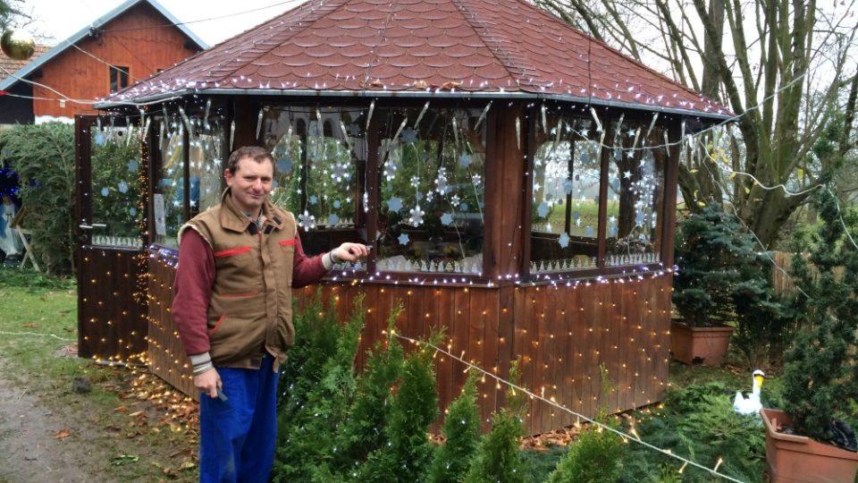 Dům v Chotovicích s rekordní výzdobou má 32 tisíc žároviček