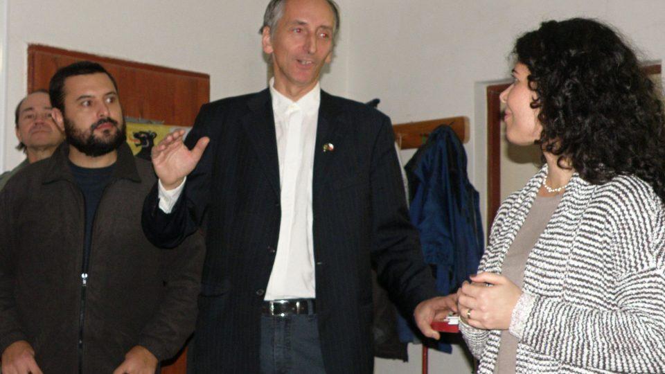 Petr Polakovič (uprostřed) s brazilskými přáteli, kteří se podíleli na vzniku muzea