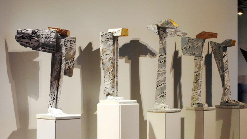 Jan Koblasa: Andělé, polychromované dřevo (2004–2013), spolupráce Sonia Jakushewa