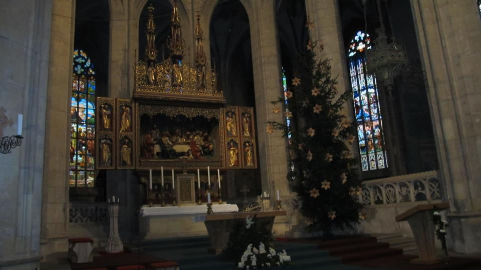 Vánoční výzdoba v chrámu svaté Barbory