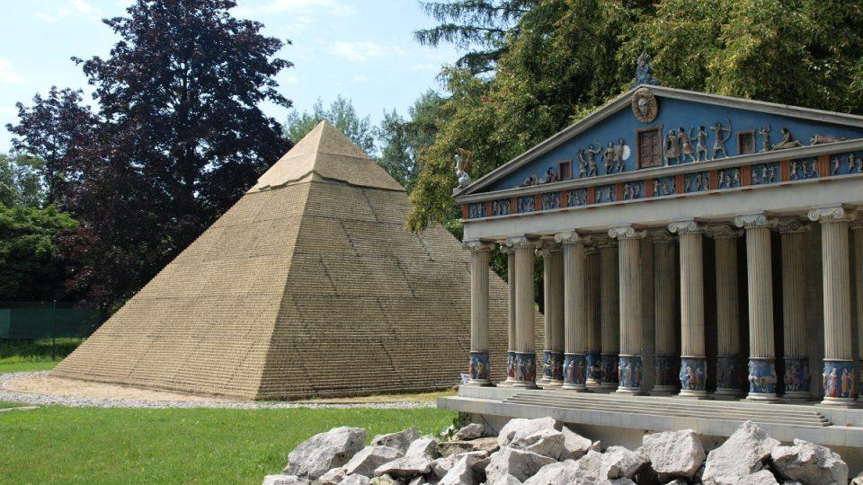 Artemidin chrám vpravo