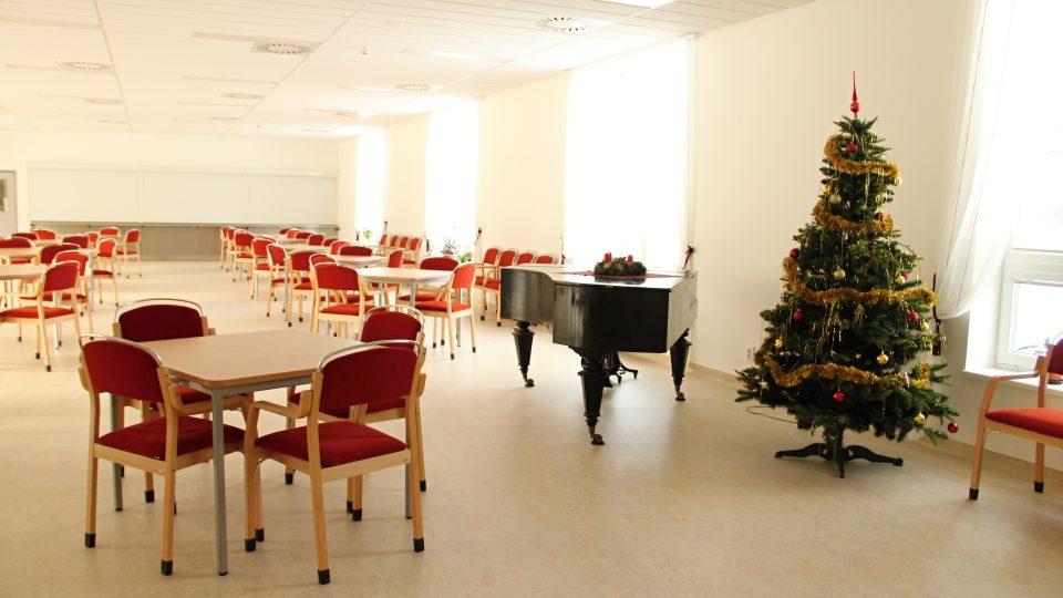 Jídelna nového domova seniorů v Bechyni