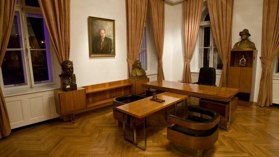Salónek ve stylu socialistického realismu - současnost