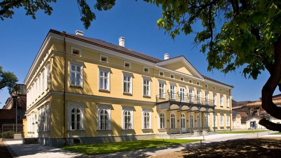 Rothschildův zámeček těsně po rekonstrukci v roce 2009