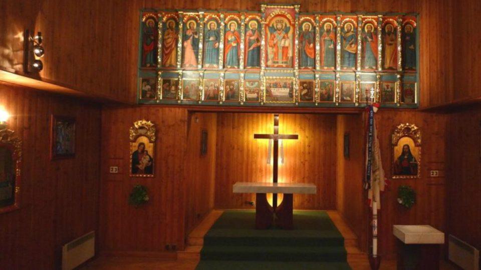 V kostele najdeme nové zařízení i starobylé pravoslavné ikony