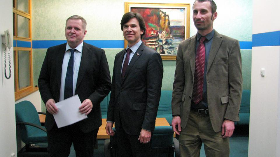 Pan Andrew H. Schapiro - úřadující velvyslanec USA v České republice - ve studiu ČRo HK