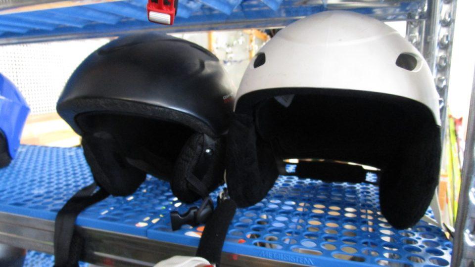 Helmy na sjezdovky