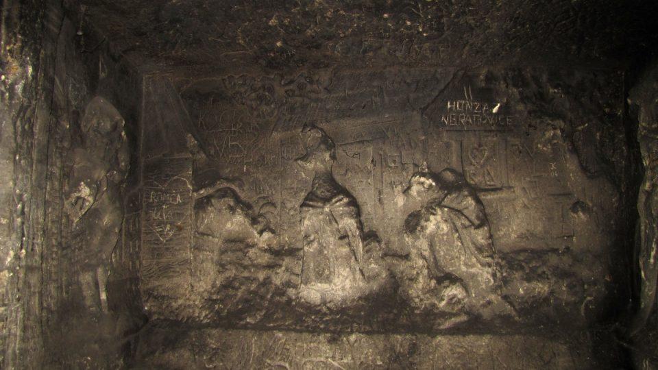 Reliéfy v jeskyni Klácelka