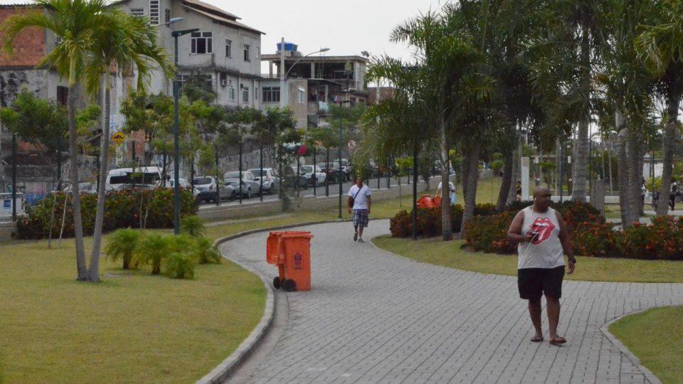 Park Madureira jako by byl z jiné planety. Kolem je ale nebezpečná severní zóna s typickými domy, které vypadají jako nedostavěné