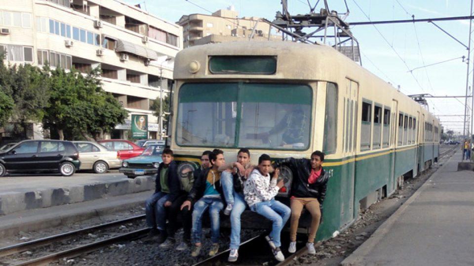 Odvážnější školáci přijdou o dopravu zdarma