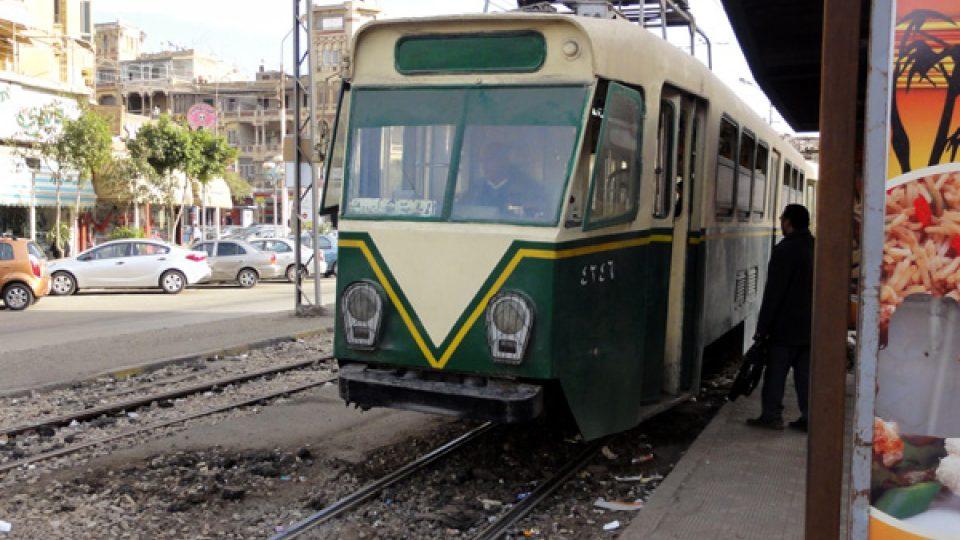 Tramvaje jsou ze všech dopravních prostředků v Káhiře nejlevnější