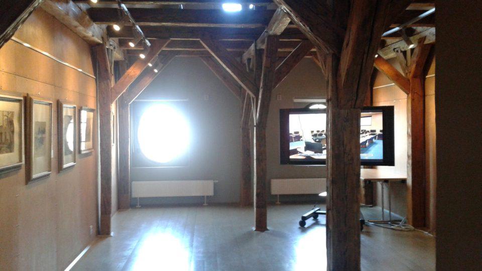 Galerie v podkroví