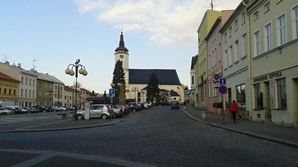 Pohled od muzea na bílovecké náměstí