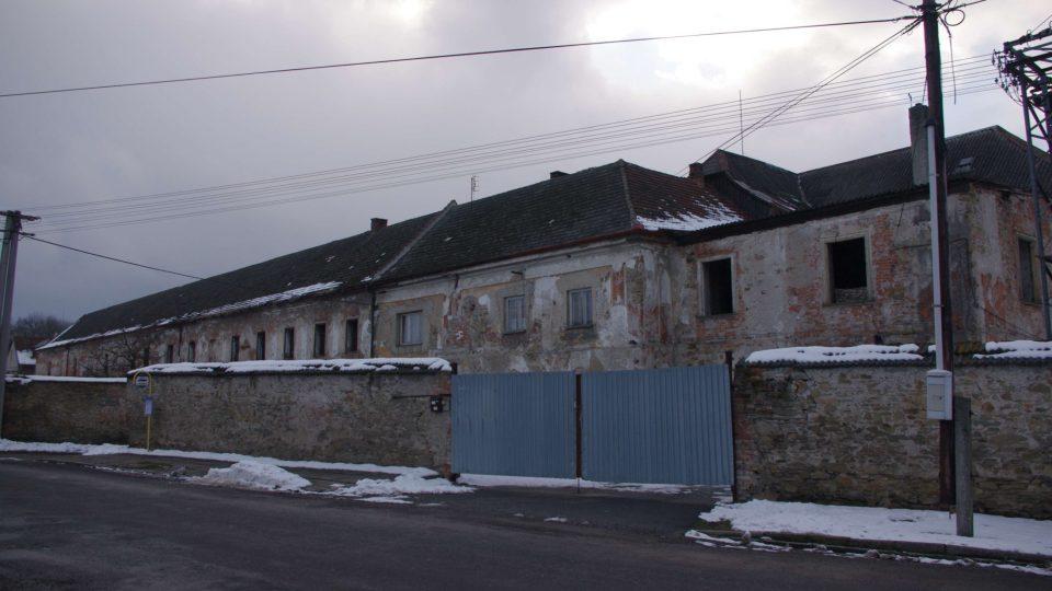 Zámek v Doubravici sloužil i jako hospodářská škola