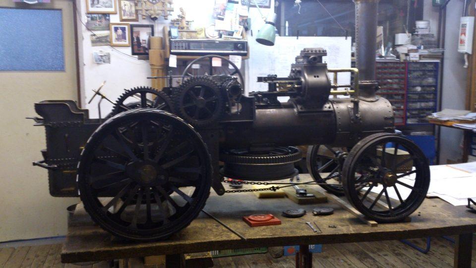 Tento parní stroj vyrábí podle originálu Jan Tomek už 4 roky