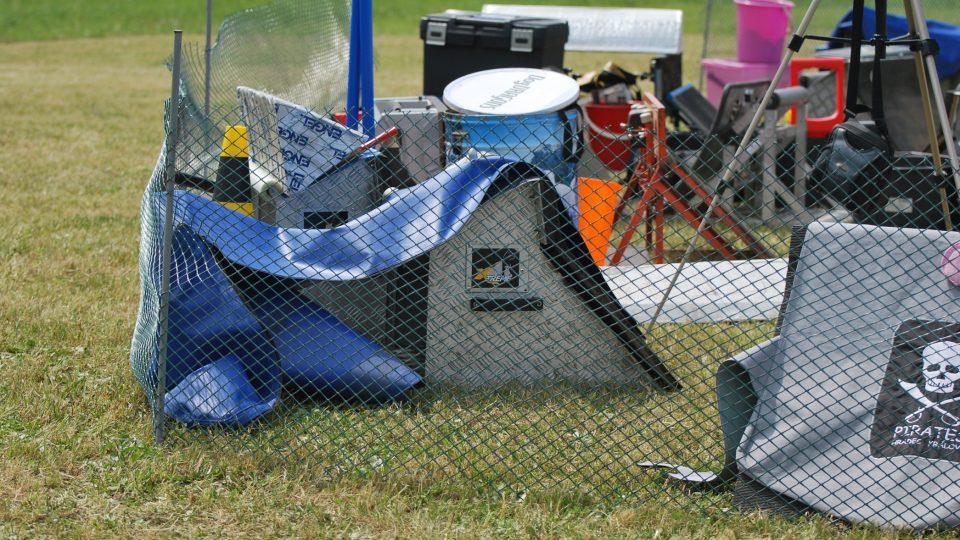 Závodní technické zázemí flyballového družstva