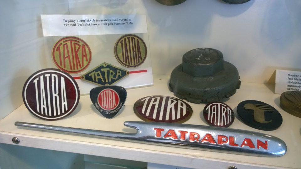 Repliky historických továrních znaků