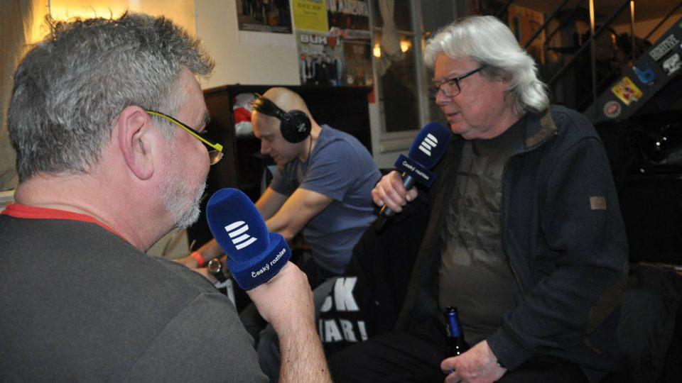 Zdeněk Vrba při rozhovoru s Vladimírem Mišíkem