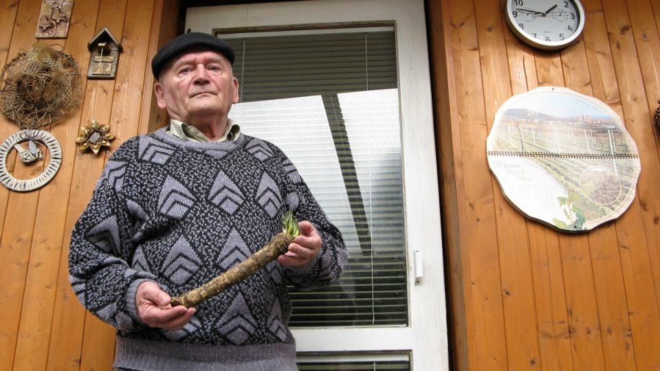 Emil Kubálek pěstuje křen celý život