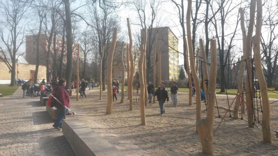 Jiráskovy sady a dětské hřiště v Litoměřicích