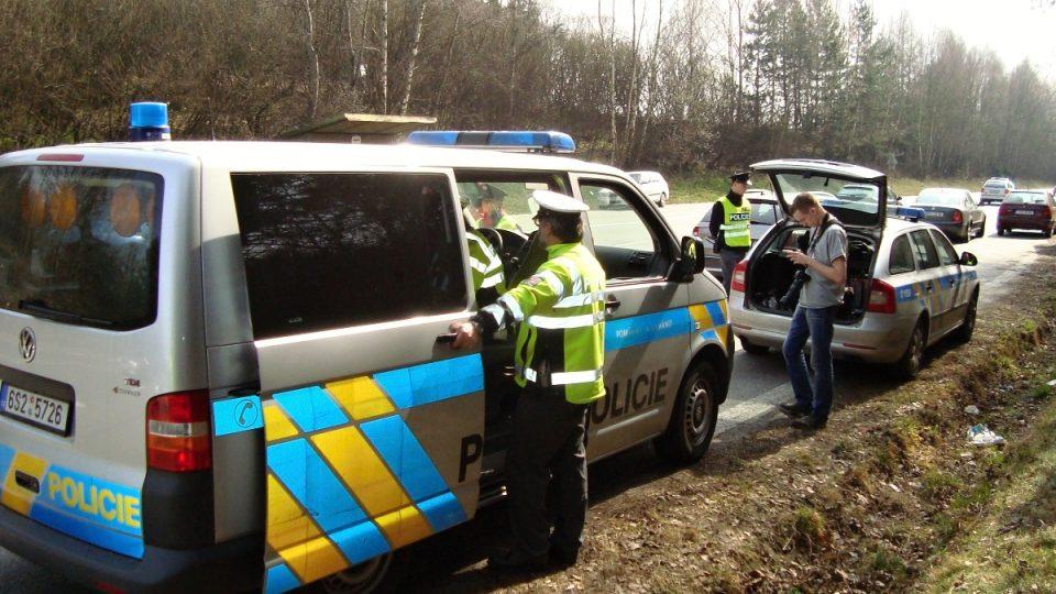 Na 50 policistů dohlíží na provoz na hlavní trase z Prahy do Tábora