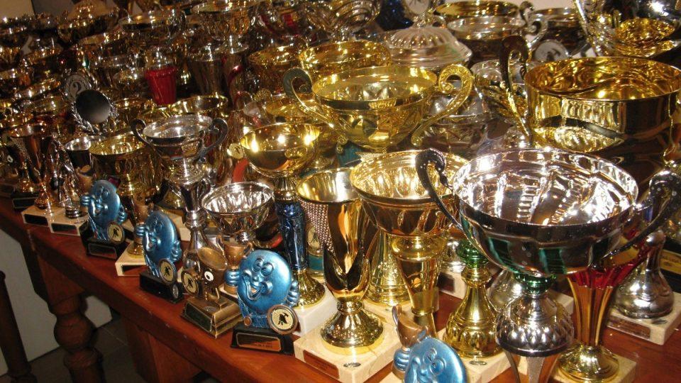 Většina pohárů získaných za čtyři sezóny