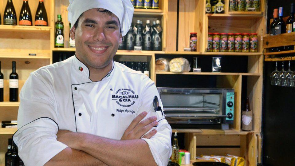 Šéfkuchař v restauaci Treska a spol. Felipe Ruchiga má portugalské předky