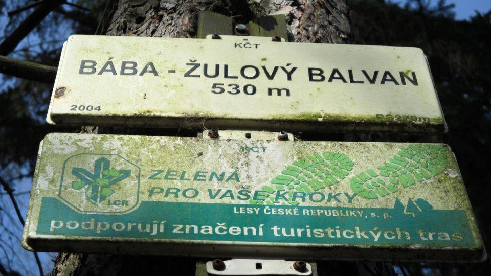 Turistická značka u Báby