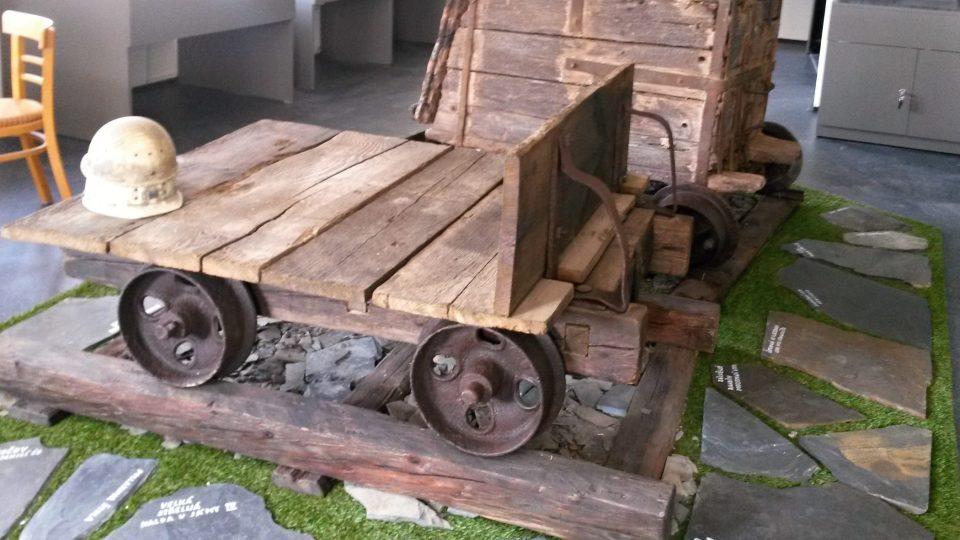 V muzeu uvidíte i tyto vozíky