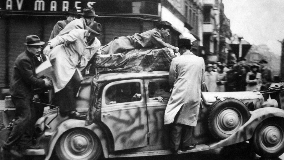 Boj o rozhlas, 1945
