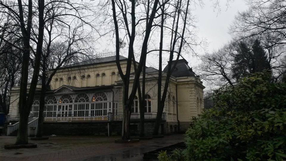 Jedna z lázeňských budov