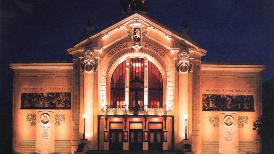 Východočeské divadlo - rekonstrukce 2003