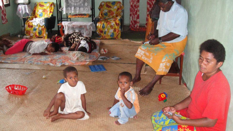 Fidži - Viti Levu - na návštěvě u vesničanů