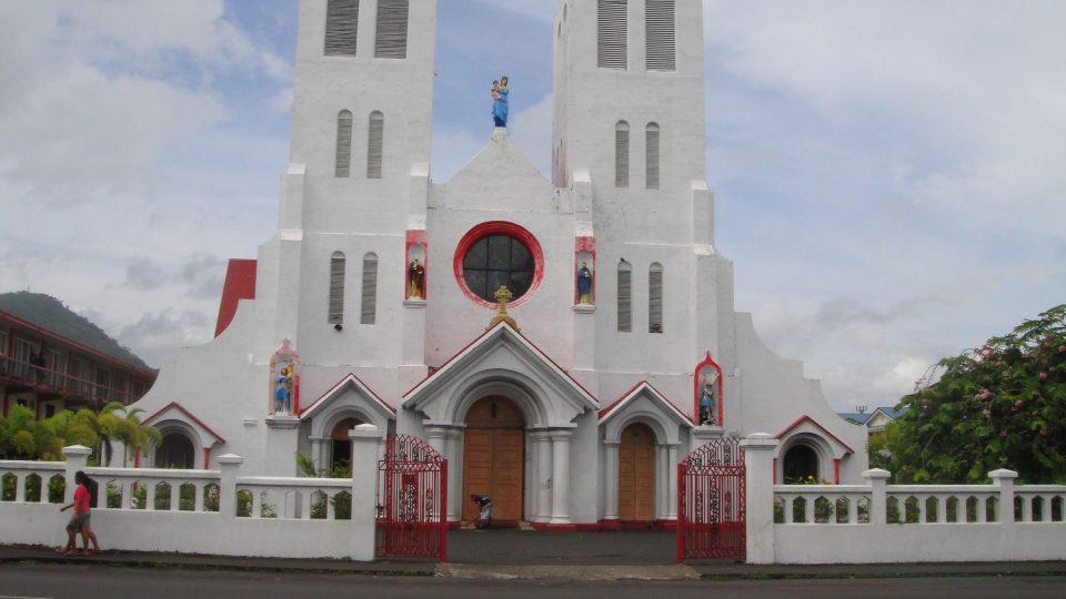 Samoa - katedrála v Apii, jeden z nesčetných kostelů na obou ostrovech